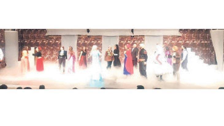 İzmir'de Broadway esintisi
