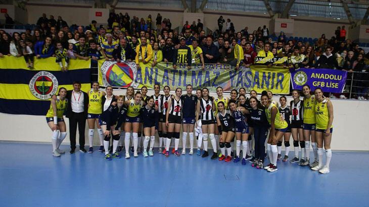 Alkışlar Fenerbahçe'ye! Beşiktaş sahaya genç takımla çıkınca...
