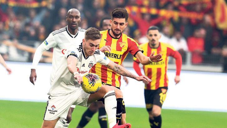 Hakem Hüseyin Göçek topu yanlış takıma teslim etti! Göztepe - Beşiktaş maçı...
