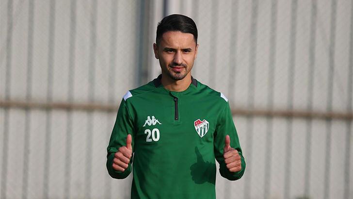Transfer haberleri | Bursaspor'da Musa Araz'la yollar ayrıldı