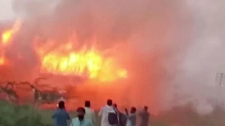 Pakistan'da fabrika yangını faciaya yol açtı
