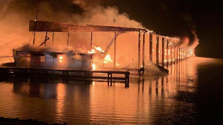 ABD'de iskele yangını sekiz can aldı