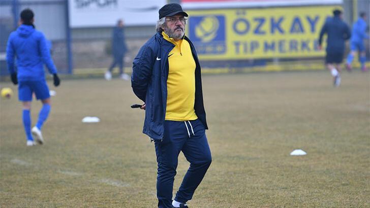 Mustafa Reşit Akçay ilk antrenmanına çıktı