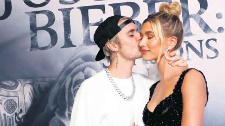 Justin Bieber öpmelere doyamadı