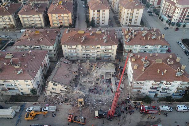 Cumhurbaşkanlığı Strateji ve Bütçe Başkanı Ağbal'dan deprem vergisi tartışmalarına yanıt