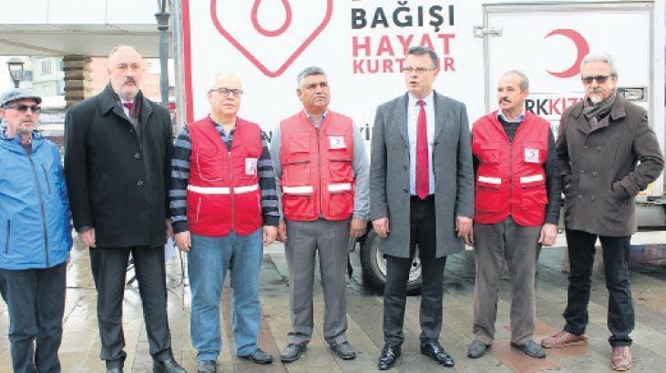 Depremzedeler için kan bağışı yapıldı