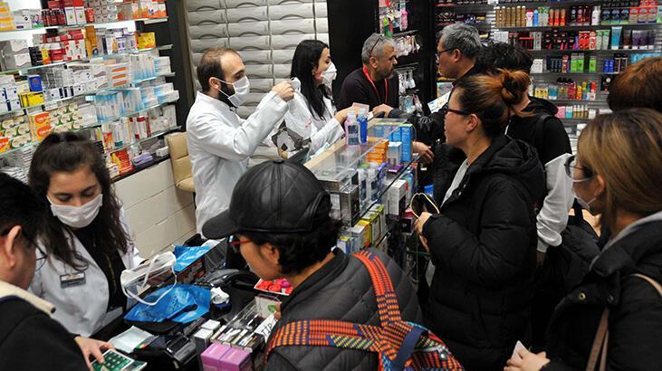 Koronavirüs salgını İstanbul Havalimanı'nda maske satışlarını arttırdı