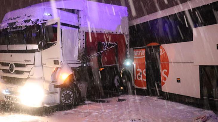 Anadolu Otoyolu'nda zincirleme trafik kazası!