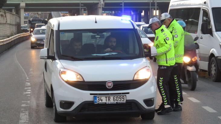 İstanbul'da çakar ve emniyet şeridi denetimleri