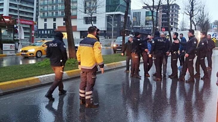 Esenyurt'ta taksiciler arasında silahlı kavga! 5 kişi yaralandı