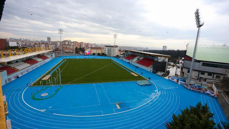 FIFA kokartlı hakemler, Burhan Felek Atletizm Pisti'nde koştu