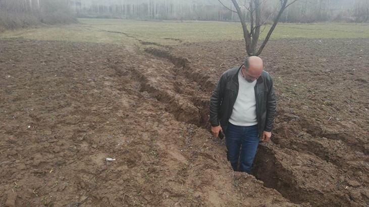 6.8'lik depremden sonra Malatya'da dev yarıklar oluştu