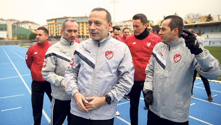 Cüneyt Çakır'dan Burhan Felek'e davet
