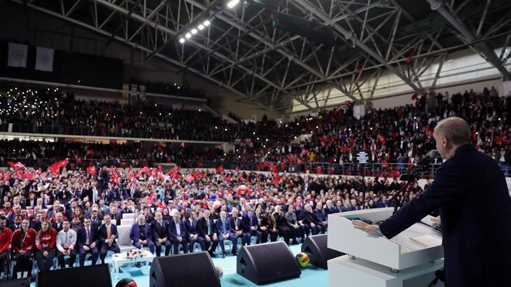 Cumhurbaşkanı Recep Tayyip Erdoğan'dan Shane Larkin'e milli forma