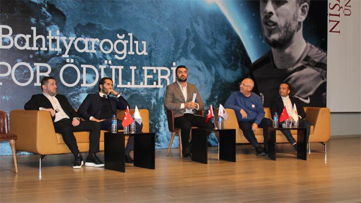 Nihat Kahveci: Kulüplerimiz batmış durumda