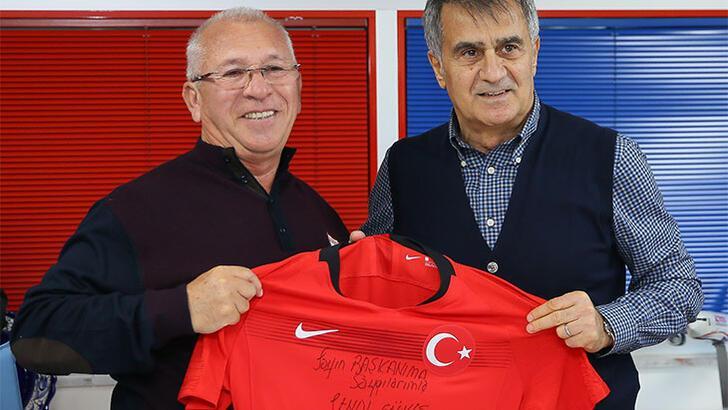 Mehmet Özkan: Ravil için 5-6 Avrupa takımıyla flört ediyoruz