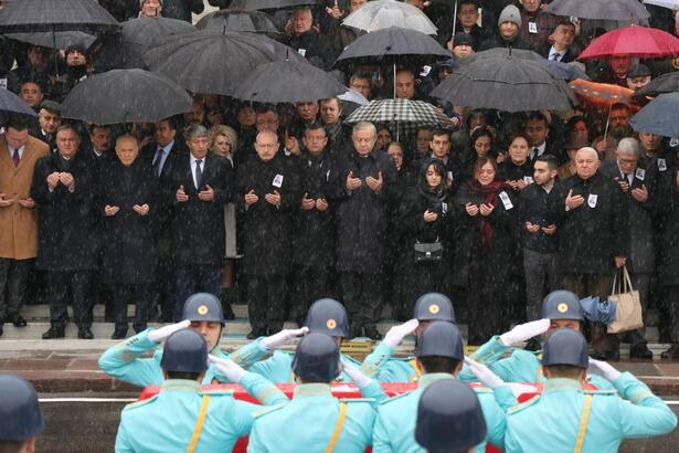 Kılıçdaroğlu, Bahçeli ve Akşener eski vekilin cenaze törenine katıldı