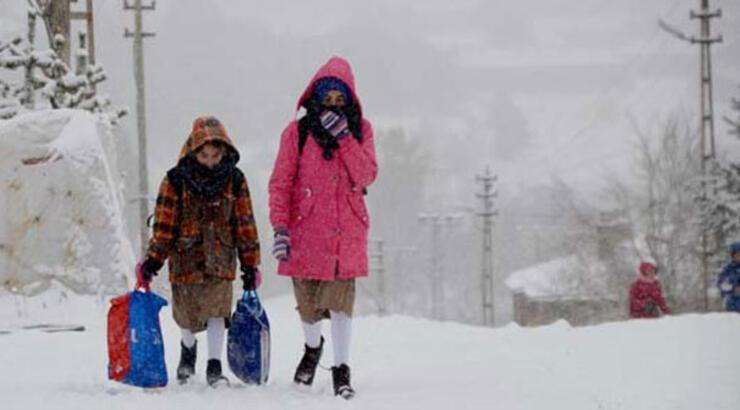 Son dakika: Okullar tatil mi? Valiliklerden resmi açıklama! - 13 Şubat Perşembe günü hangi il ve ilçelerde okullar tatil edildi?
