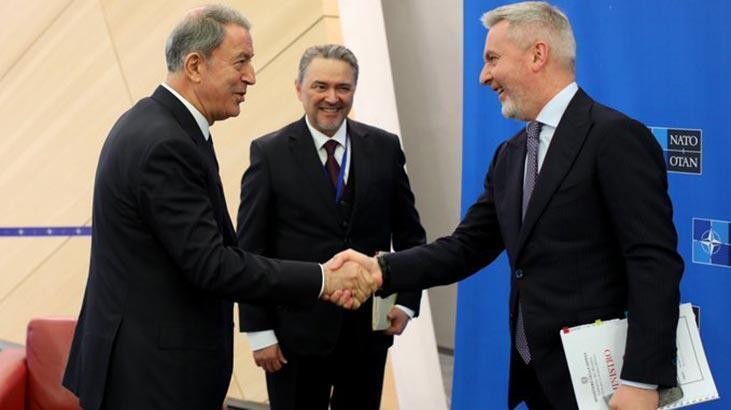 Milli Savunma Bakanı Hulusi Akar, NATO Karargahı'nda