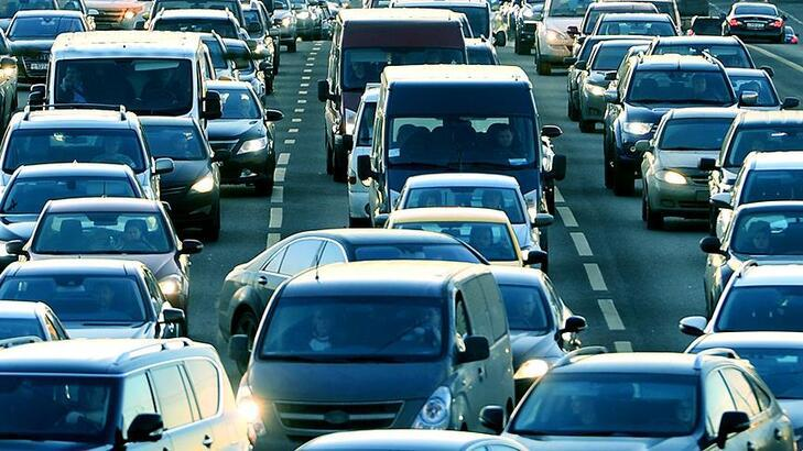Trafiğe kayıtlı motorlu kara taşıtı sayısı 2010 yılına göre %53,4 arttı