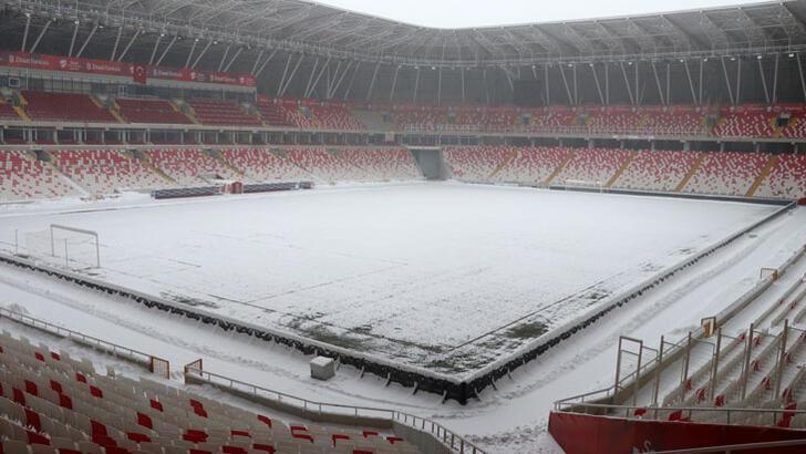 Yetkililer kararını verdi! Sivasspor-Antalyaspor maçı oynanacak