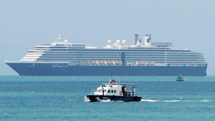 Koronavirüs korkusu! 5 limana yanaşmasına izin verilemeyen gemi Kamboçya'ya demirledi