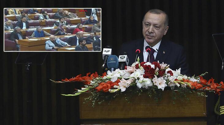 Cumhurbaşkanı Erdoğan'dan Pakistan'da son dakika açıklamaları! Konuşurken masalara vurdular