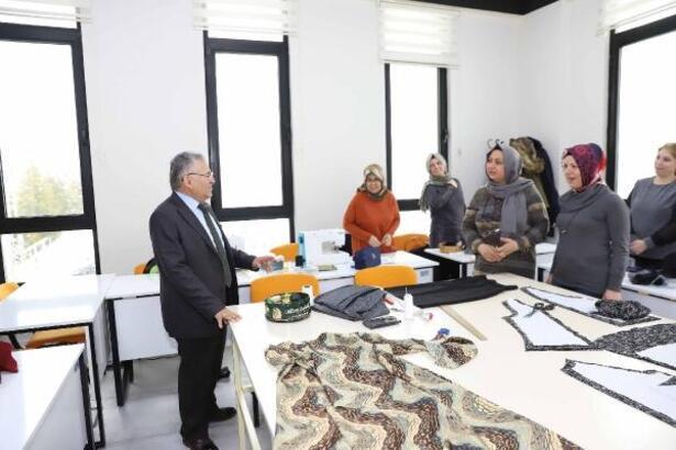 Başkan Büyükkılıç, eğitim ve spor tesislerini ziyaret etti