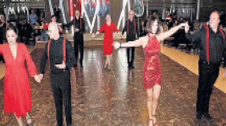 Sevgililer Günü'ne özel tango gecesi