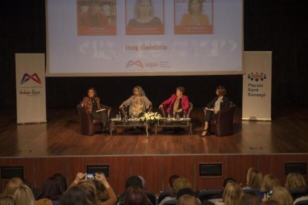 'Yasalar Uygulansın Kadınlar Yaşasın' paneli düzenlendi