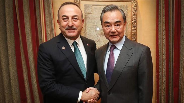 Bakan Çavuşoğlu Çinli mevkidaşı Vang ile görüştü