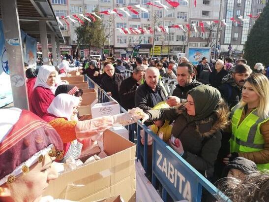 Bahçelievler Hamsi Festivali'nde 3 ton balık tüketildi