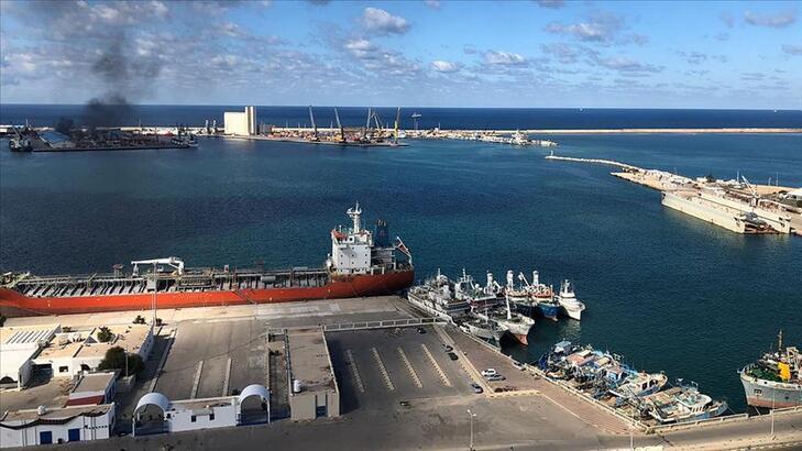 Son dakika | Hafter milisleri Trablus Limanı'na roketli saldırı düzenliyor