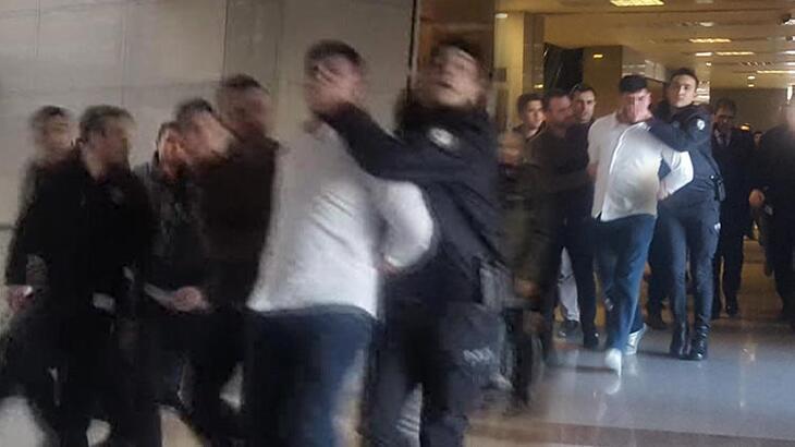 İstanbul Adliyesi'nde hareketlilik! 18 yıl cezayı duyunca kaçmaya çalıştı