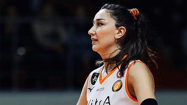 Eczacıbaşı VitrA'da Hande Baladın sakatlandı