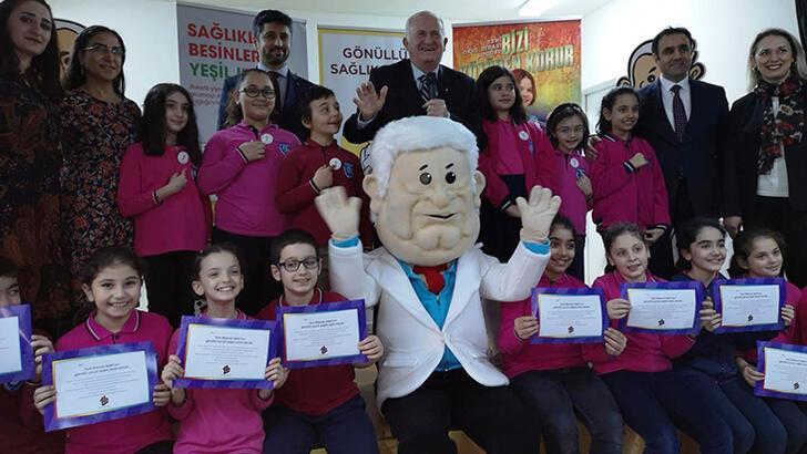 Türk Böbrek Vakfı okullarda 'Gönüllü Sağlık Elçileri' dönemini başlattı