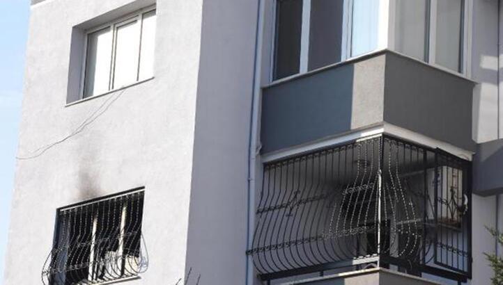 Yanan dairedeki aileyi, komşuları kurtardı