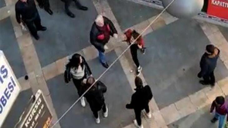 İki genç kızın kavgasına akılalmaz müdahale! 'O adam buraya gelsin'