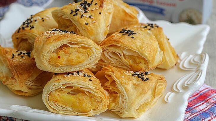 Patatesli Üçgen Börek tarifi ve malzemeleri   Patatesli Üçgen Börek nasıl yapılır?