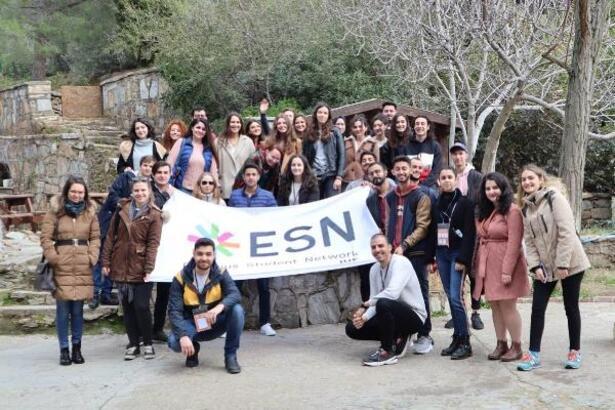 İzmir Ekonomi'den uluslararası öğrenciler için sürpriz gezi