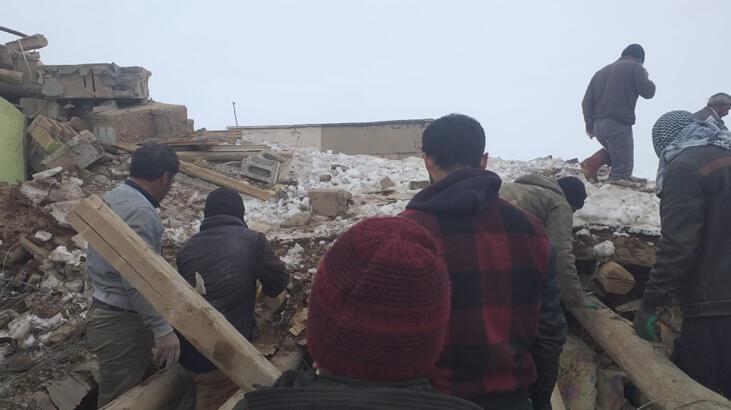 Deprem sonrası canlı yayına bağlanıp uyardı! 'Mutlaka boşaltılmalı'