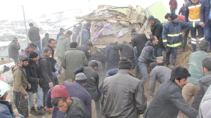 Bakan Selçuk'dan Van'da deprem açıklaması!
