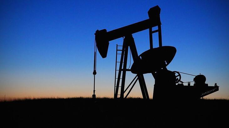 Petrolün varili 57,02 dolar