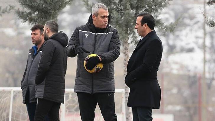Yeni Malatyaspor, Kemal Özdeş'le devam kararı aldı