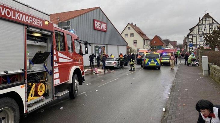 Son dakika... Almanya'da karnavala araçlı saldırı