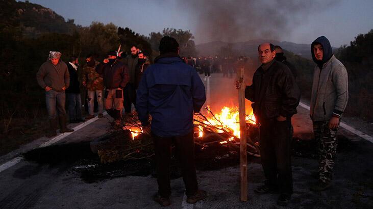 'Kapalı mülteci kampı' kararına itiraz eden vatandaşlar polisle çatıştı