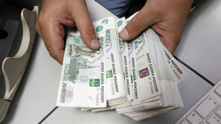 Rusya'da borsa ve ruble koronavirüs nedeniyle düşüşte