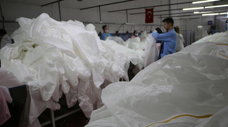 Koronavirüs için medikal tulum ürettiler, siparişlere yetişemiyorlar