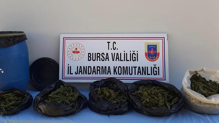 Bursa'da dere yatağına gömülü 5 kilo esrar ele geçirildi