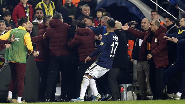 Son dakika... Fenerbahçe-Galatasaray derbisi sonrası PFDK'dan ceza!